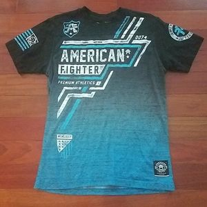 American Fighter/Buckle mens small tshirt.